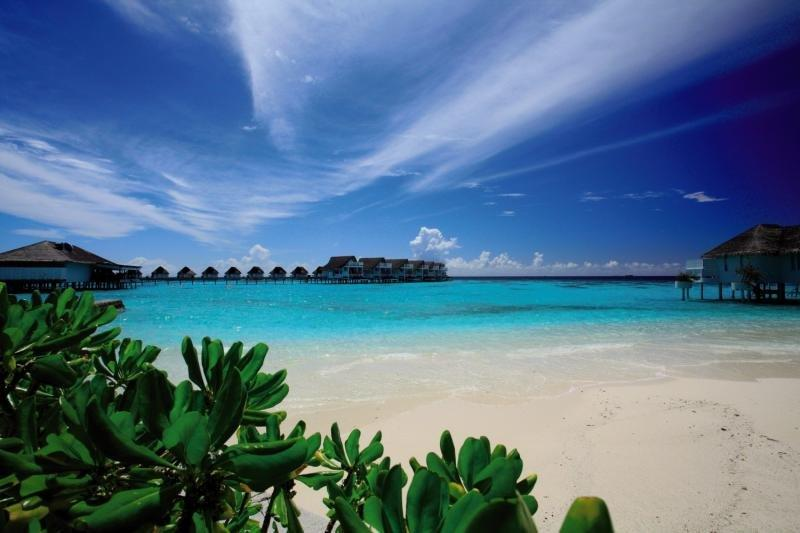 Centara Grand Island Resort and Spa Maldives, Maldivi 2