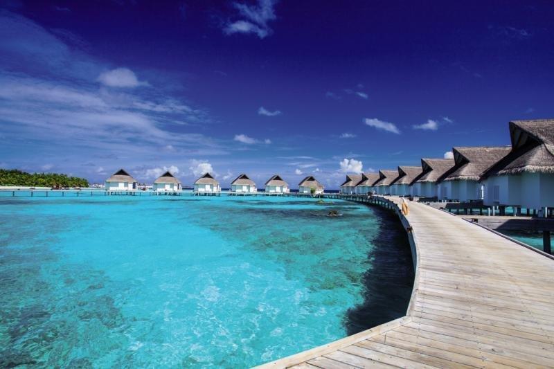 Centara Grand Island Resort and Spa Maldives, Maldivi 3