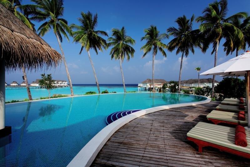Centara Grand Island Resort and Spa Maldives, Maldivi 5