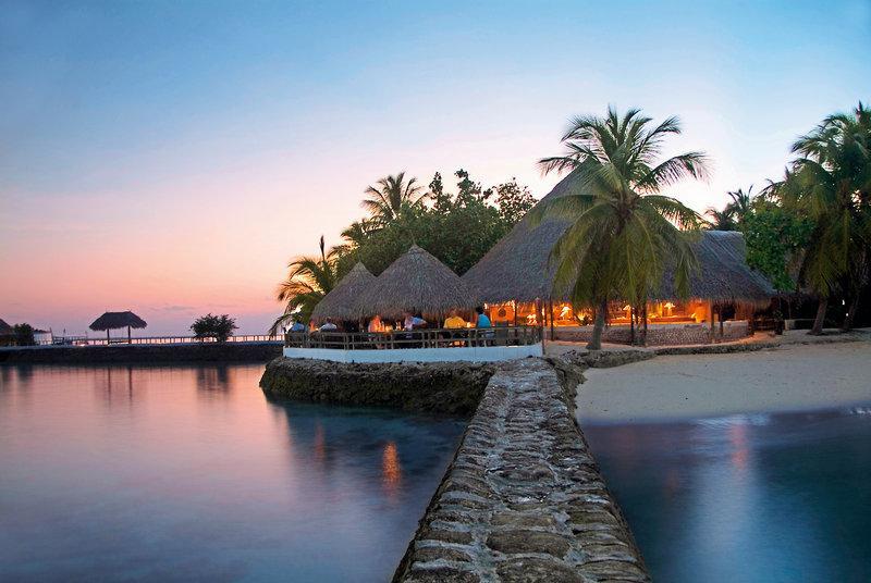 Makunudu Island, Maldivi 4