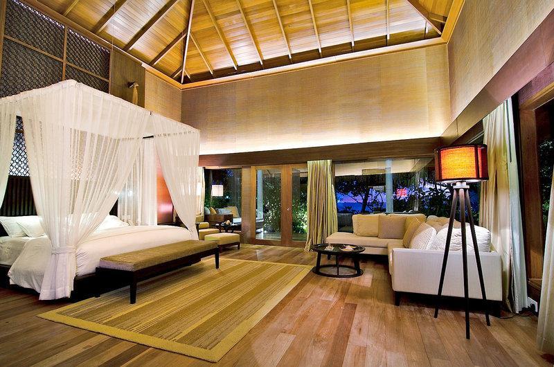 Raffles Maldives Meradhoo Resort, Maldivi 3