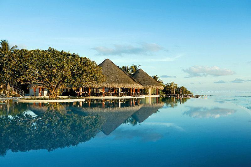 Dusit Thani Maldives, Maldivi 1