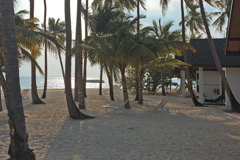 Malahini Kuda Bandos Resort, Maldivi 1