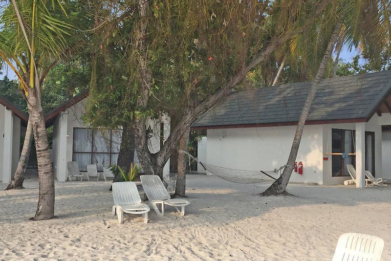 Malahini Kuda Bandos Resort, Maldivi 2