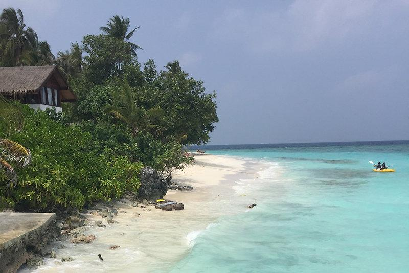 Malahini Kuda Bandos Resort, Maldivi 5