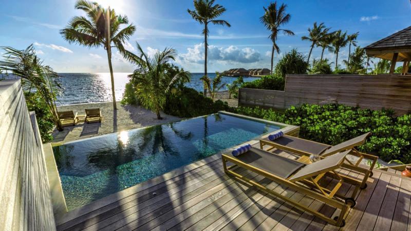 Hurawalhi Island Resort, Maldivi 3