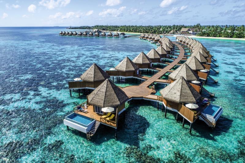 Mercure Maldives Kooddoo Resort, Maldivi 2