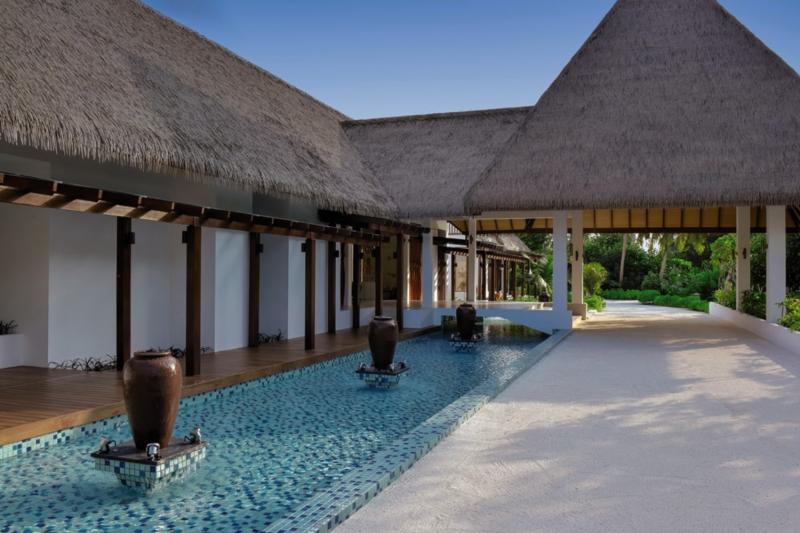 Mercure Maldives Kooddoo Resort, Maldivi 5