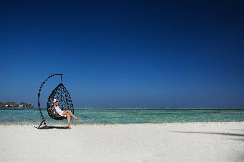 Pearl Sands Of Maldives, Maldivi 1